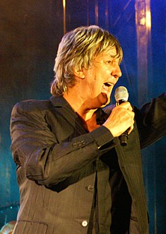 Jacques Higelin 2007 (cropped).jpg