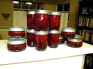 Gelling sugar - Strawberry jam created from gelling sugar