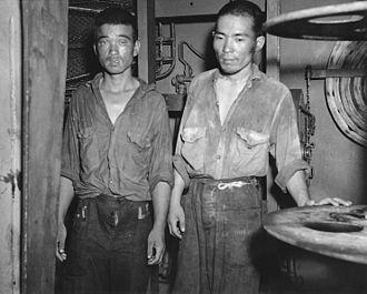 Japanese cruiser Jintsū - Jintsū survivors aboard USS Nicholas