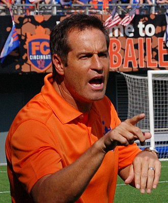 John Harkes - Harkes coaching FC Cincinnati in 2016