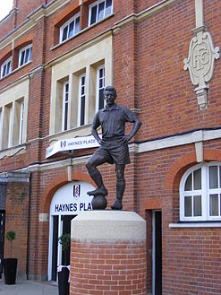 Johnny Haynes at Craven Cottage.jpg