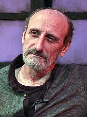 Gil, José Luis (1957-)