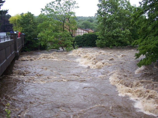 June 2007 - River Don Weir at Oughtibridge during the flood. - geograph.org.uk - 716028