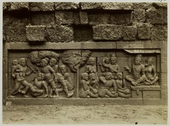 KITLV 28072 - Kassian Céphas - Relief of the hidden base of Borobudur - 1890-1891.tif
