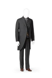 85051114 Jaketsæt med jaketjakke, vest og bukser i samme stof.