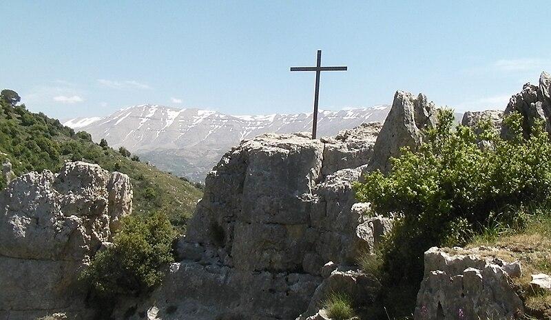 Kadisha Valley cross.jpg