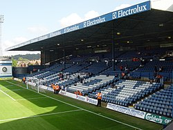 Kenilworth Stand at Kenilworth Road, 2006.jpg