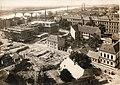 Klinikakert, balra az épülő sebészeti klinika tömbje, háttérben a vasúti híd és Újszegeden a kendergyár. Fortepan 84734.jpg