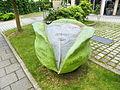 Krautkopfplastik Schweiger-Soller Schweigerstr.2 Ismaning 11.07.2013.jpg