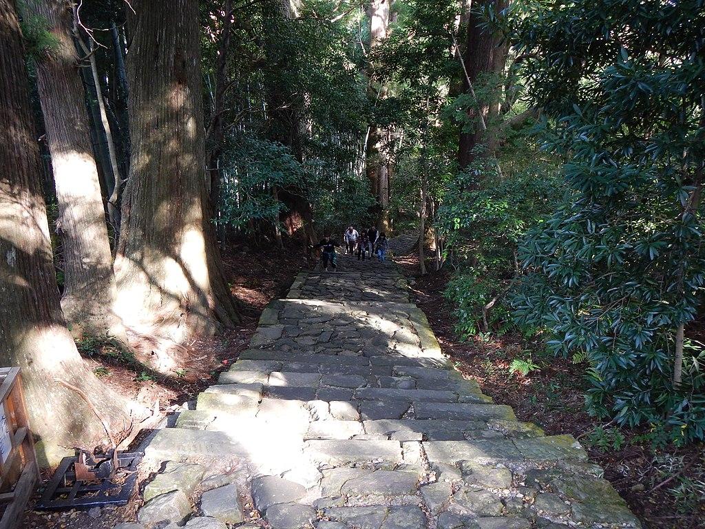 Kumano Kodo pilgrimage route Kumano Hayatama Taisha World heritage 熊野古道 熊野速玉大社11