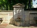 L'Isle-Adam (95), fontaine et auges des écuries du château de Conti, avenue des Écuries 2.jpg