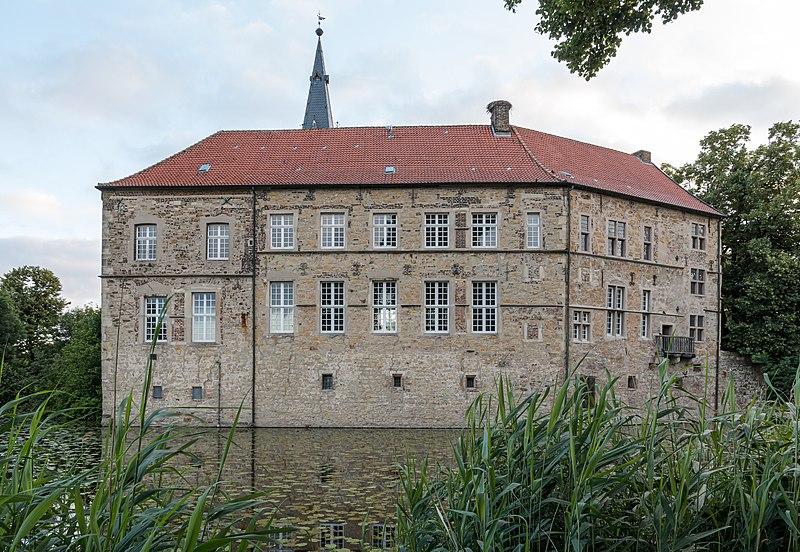 File:Lüdinghausen, Burg Lüdinghausen -- 2016 -- 3553.jpg