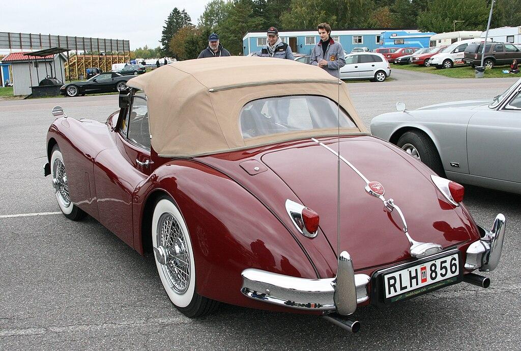 Classic Car Pricing App