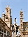 La cathédrale et le palais archiépiscopal (Palerme) (7041160657).jpg