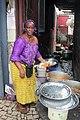 La femme au travail (restaurant à ciel ouvert).jpg
