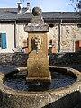 La fontaine de la place de l'Aubépine à Fontiers-Cabardès.jpg