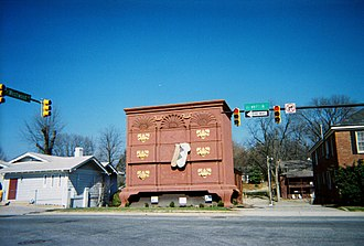 High Point, North Carolina - World's largest chest of drawers