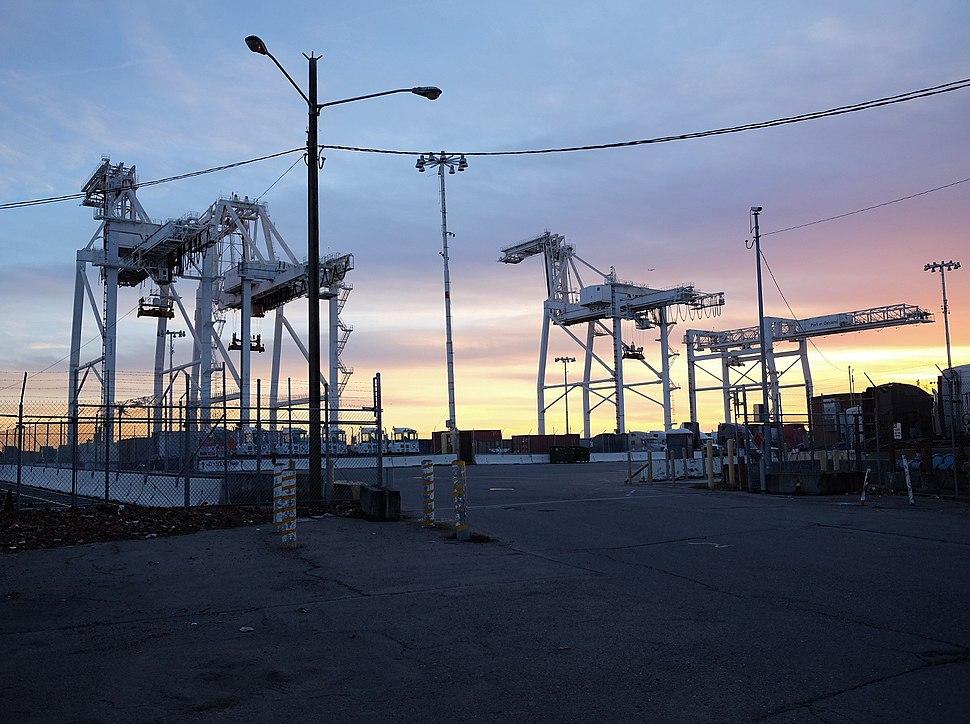 Lastkranar, Howard Terminal, Oakland Inner Harbour
