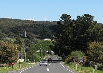 Lauriston, Victoria - Lauriston Road