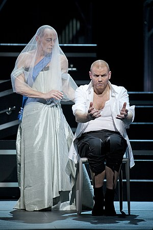 Lear (opera) - Erwin Leder as the Fool and Bo Skovhus as Lear in a 2012 production at the Hamburg State Opera
