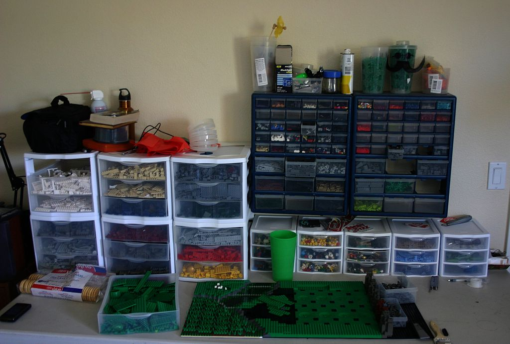 File:Lego Work Table.jpg - Wikimedia Commons