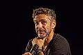 """Leonardo Sbaraglia - Presentación de la segunda temporada de """"99,99%. La ciencia de las Abuelas"""" (16690372188).jpg"""