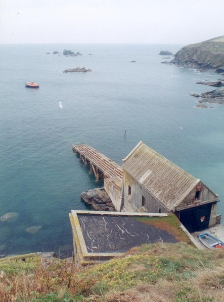 File:Lizard Point Lifeboat Station - geograph.org.uk - 724259.jpg