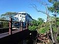 Locomotiva de comboio que passava sentido Boa Vista pela ponte ferroviária sobre o Ribeirão Piraí, limite dos municípios de Salto e Indaiatuba - Variante Boa Vista-Guaianã km 212. À direita, antiga pon - panoramio (1).jpg