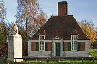 Runnymede - Lutyens designed memorial lodge and pier