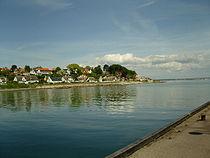 Looking northwards up the Danish coast from Snekkersten.jpg
