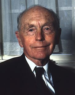 Alec Douglas-Home - Wikipedia, the free encyclopedia