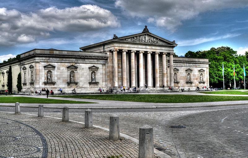 File:München, Königsplatz, Glyptothek (8741351142).jpg