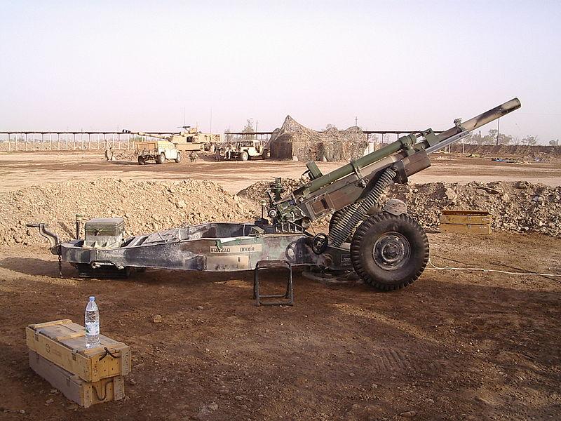 موسوعة: القوات البرية الملكية السعودية 800px-M102_Howitzer_A1206_Tai_Iraq_2004_