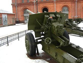 107 mm divisional gun M1940 (M-60) - Rear view