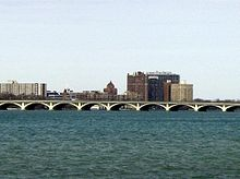 MacArthur Bridge (Detroit).jpg