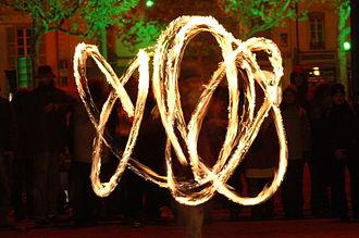 Poi (performance art) - Fire poi