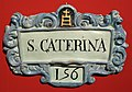 Manifattura senese, capiletto in maiolica, xviii secolo (s.m. della scala, siena) s. caterina.jpg