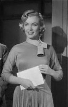 Marilyn Monroe in Monkey Business trailer.JPG