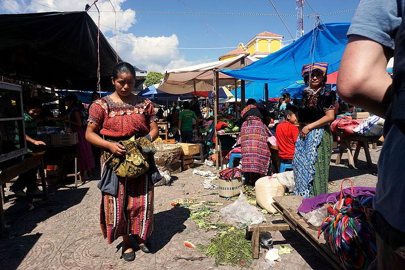 File:Market in Santa Clara la Laguna, Guatemala.jpg