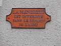 Marly-Gomont (Aisne) plaque la mendicité est interdite.JPG