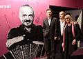 Mauricio Macri recorrió la muestra de fotos en homenaje a Astor Piazzola (7839554982).jpg
