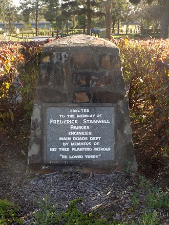 North Coast Roadside Rest Areas - Memorial to Frederick Stanwell Parkes, Petrie Road Rest Area