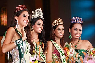 Miss Earth 2006 - Miss Earth 2006 and her court (Fire, Earth, Air and Water)