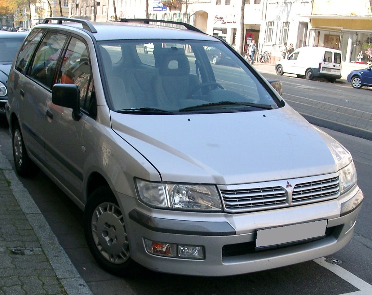 mitsubishi space wagon фото