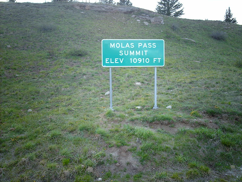 File:Molas Pass sign.jpg