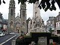 Monument aux morts place Leclerc.jpg