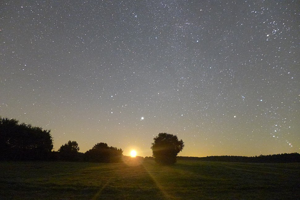 Moonrise over Nationalpark Müritz