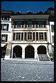 Morat. Dettaglio dell'edificio ospitante la farmacia sulla Grand Rue.jpg