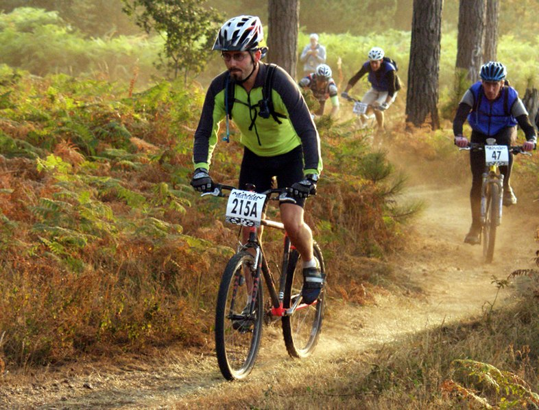 Outdoor activities for families - bike race