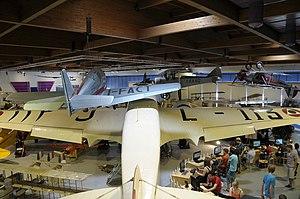 Museo dell'Aeronautica Gianni Caproni S.79, F.5 and flight simulation (1).JPG